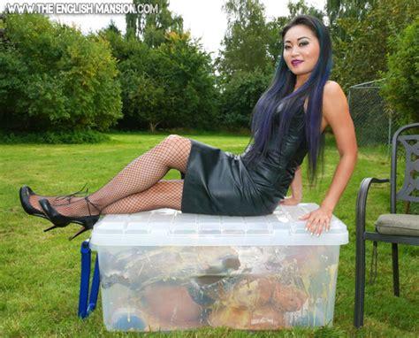 Female submissive jpg 640x517