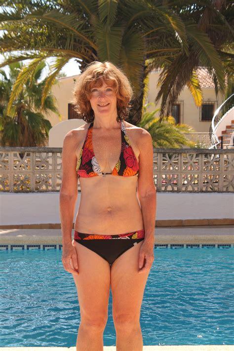old wife bikini jpg 2848x4272